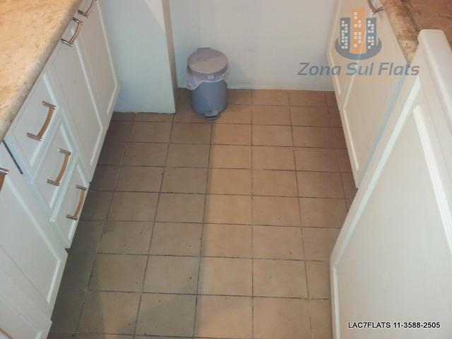 flat impecável no itaim bibi com dois quartos, dois banheiros sendo uma suíte. totalmente mobiliado! entrar...