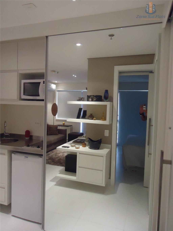 a unidade encontra-se em andar alto, tendo carpete de madeira e mobília pool. r$ 5.500,00 o...