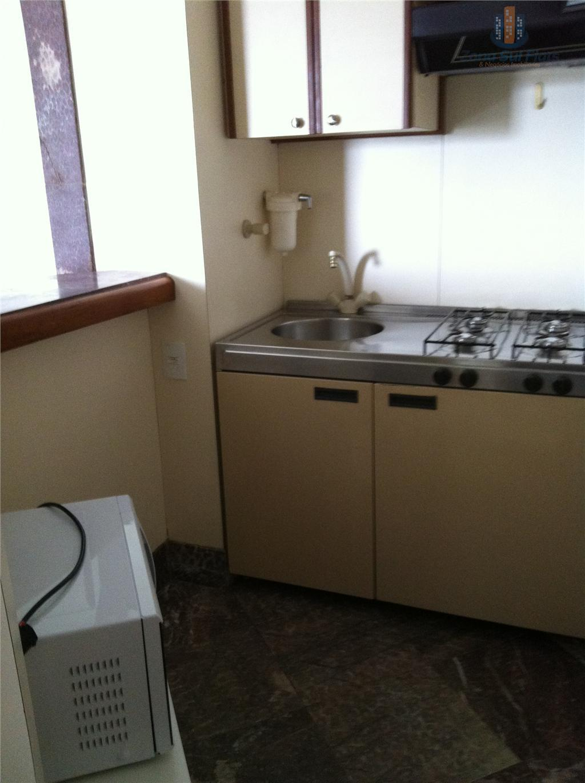 flat pronto para morar. aluguel - bairro nobre - itaim bibi!cozinha completa - sala totalmente mobiliada...