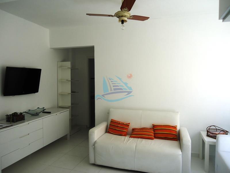 apartamento reformado na praia da enseada no guarujá.apartamento de 1 dormitório, sala, cozinha, banheiro, área de...