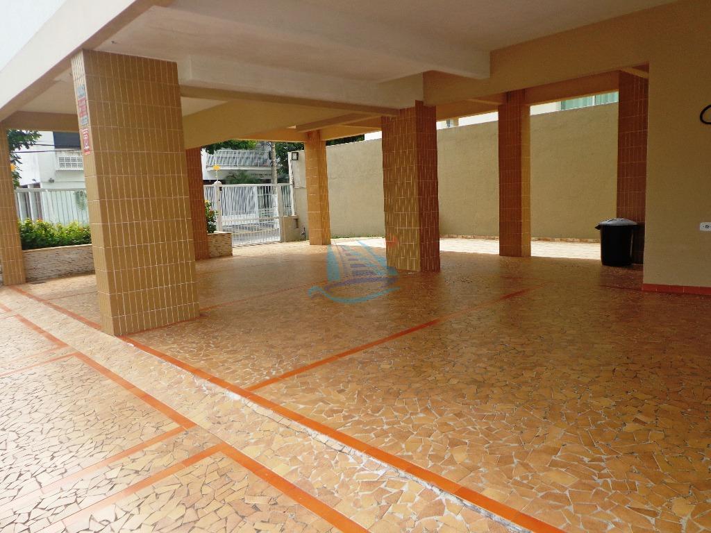 oferta, amplo apartamento para venda na praia da enseada à 350 metros do mar, lado praia.com...