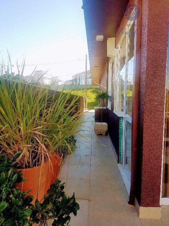 linda casa térrea à venda.possui captação de água da chuva, piscina pronta para aquecimento solar.a casa...
