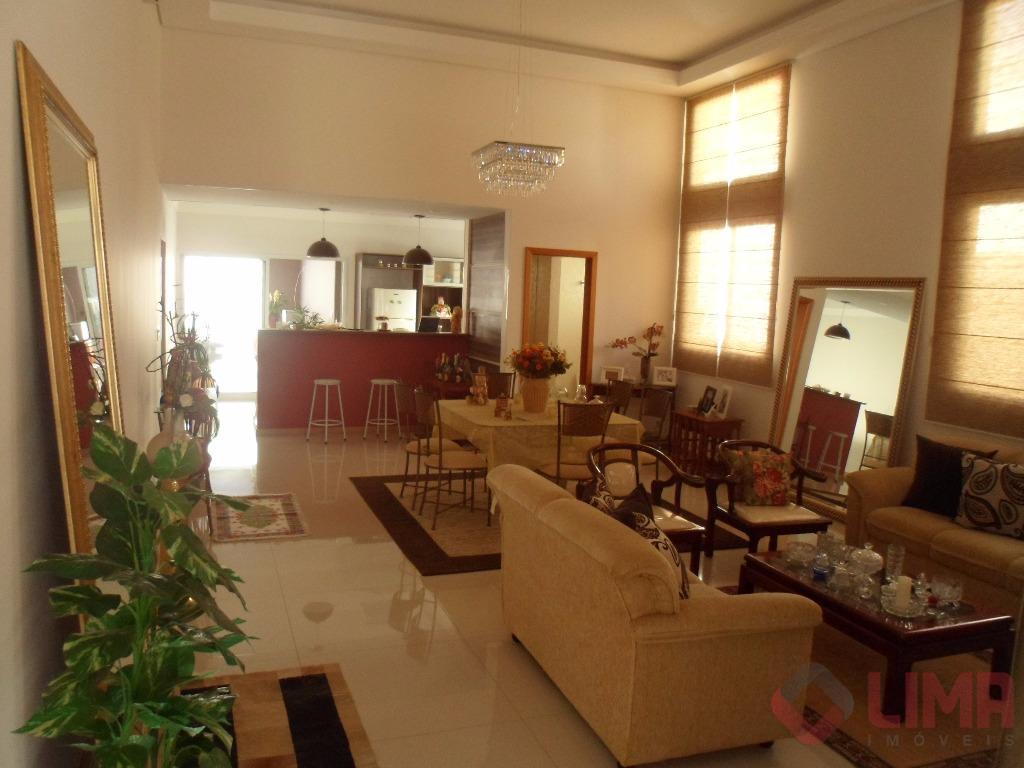 Linda residencia à venda no Condomínio Villa Lobos, Bauru.