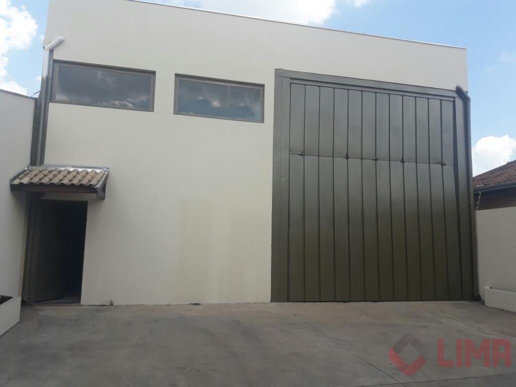 Barracão, 2 escritórios