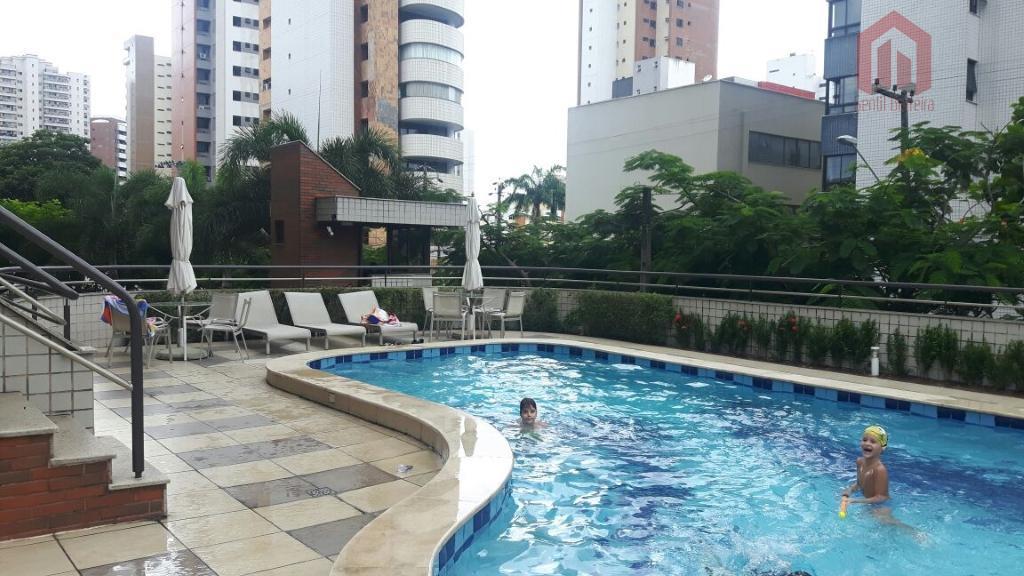 Apartamento residencial à venda, Aldeota, Fortaleza - AP0070.