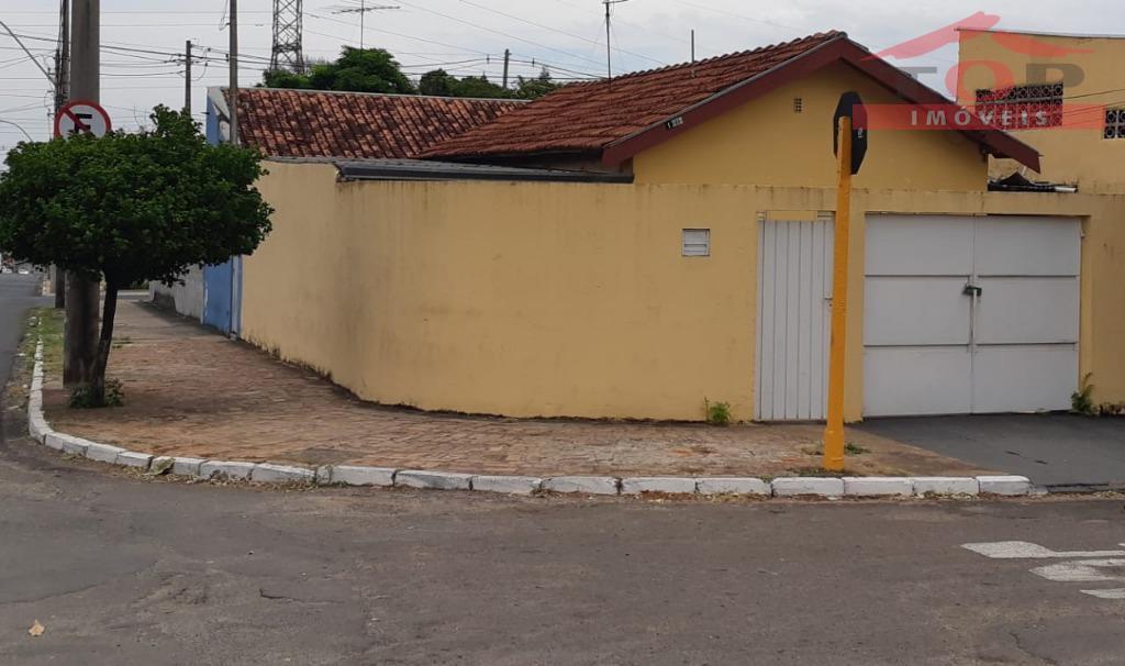 4 dormitórios + edícula independente que transforma em duas casas-Melhor local do Bairro. Próximo a Nações Unidas. Pode ser financiada.