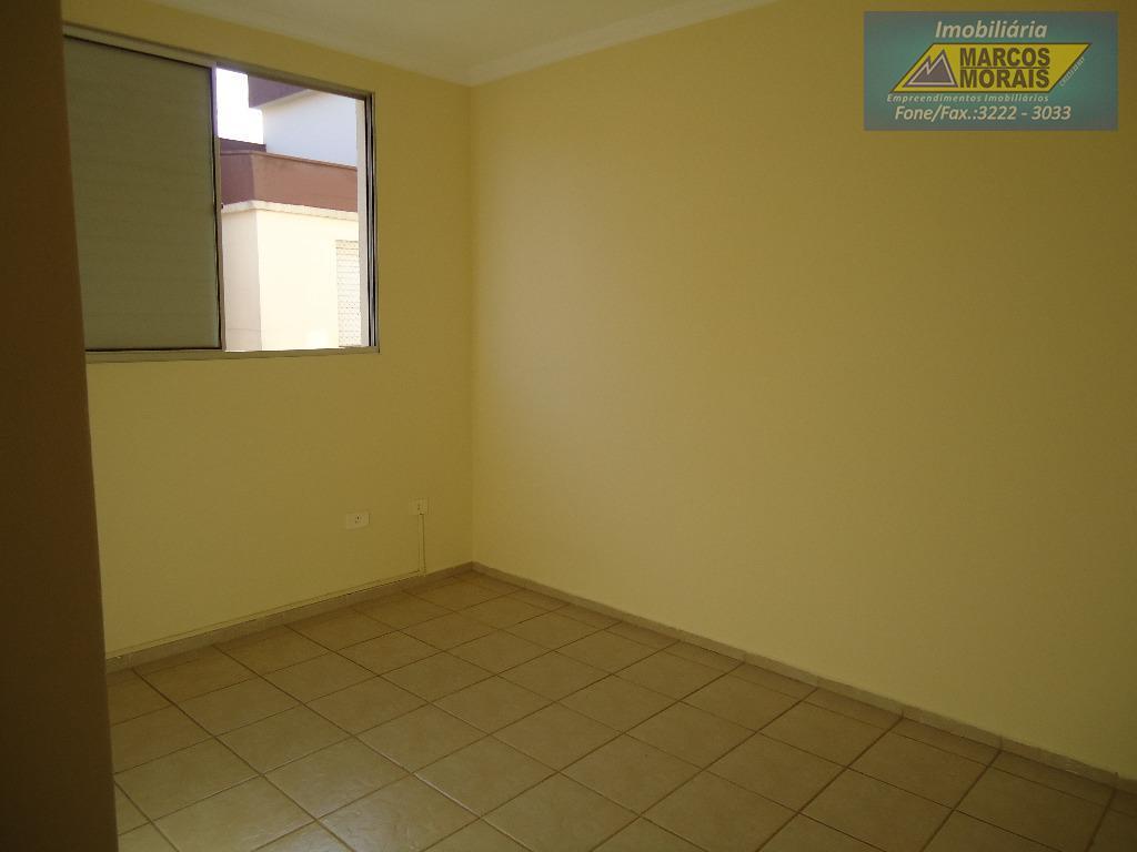 lindo apartamento com pintura nova , cortinas na sala e na cozinha , cozinha com gabinete,...