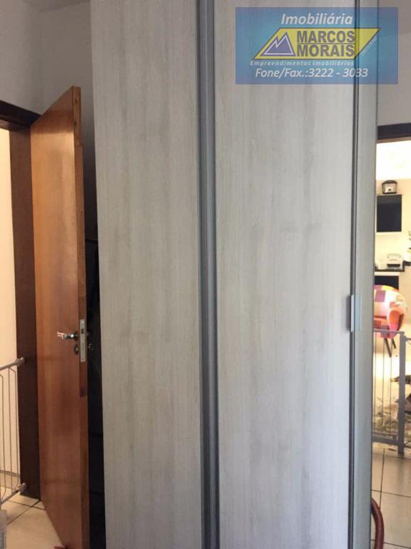 lindo apartamento térreo alto, com sacada, sala 2 ambientes, área externa privativa, excelente acabamento.prédio com portaria...