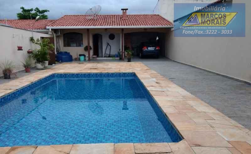 linda edícula com piscina em excelente localização. oportunidade.