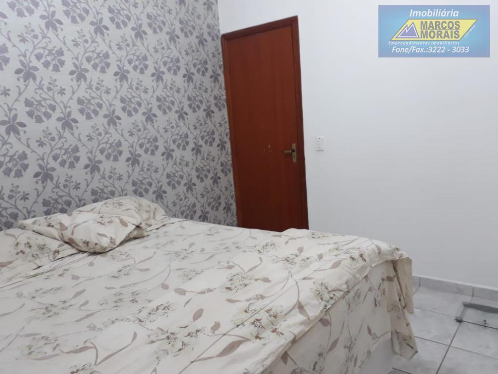 imóvel bem localizado,bem conservado, ótimo preço,contendo 3 dormitórios, uma suite,copa-cozinha,sala dois ambientes,área de serviço coberta,quintal,duas vagas...