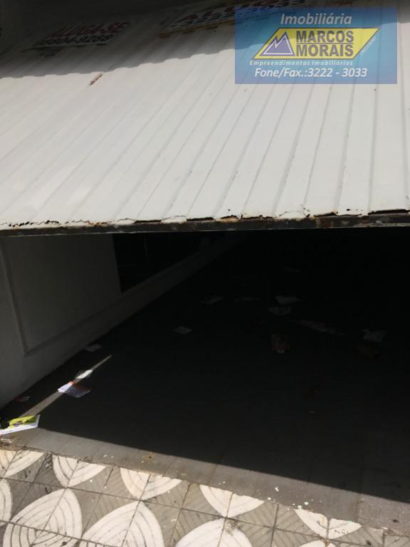 ótimo imóvel comercial no centro de sorocaba .o imóvel possui um espaço para garagem na frente...