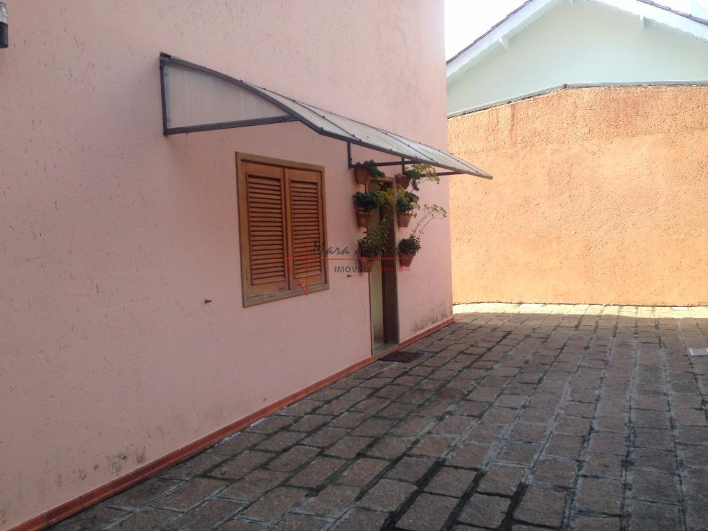 """""""sobrado rustico, muito verde, condomínio fechado, vinhedo""""área do terreno: 1.200,00 m² área construída: 500,00 m²ambiente interno:piso..."""