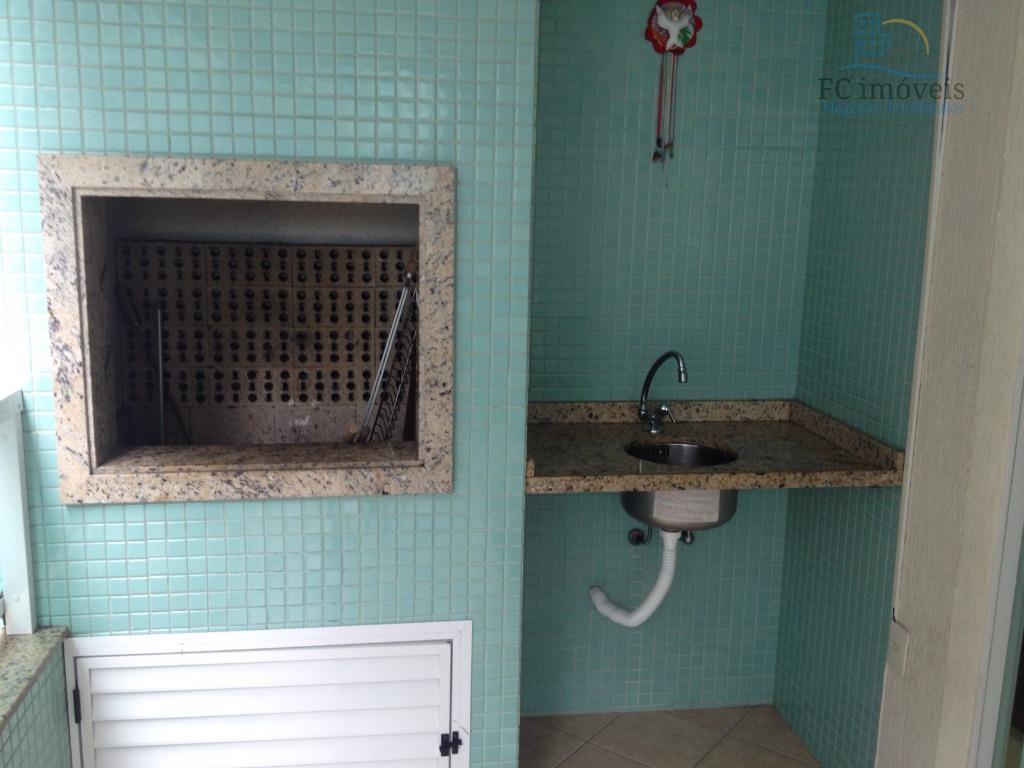 ref. 3988 - apartamento na quadra do mar, com 1 suíte + 2 dormitórios, banheiro social,sacada...