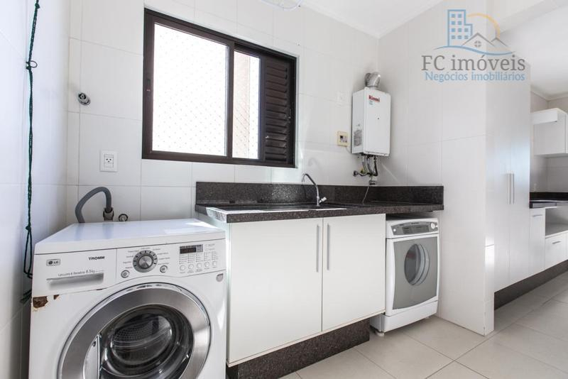 apartamento mobiliado e decorado, 4 suítes, lavabo, living 2 ambientes, cozinha, área de serviço, banheiro de...