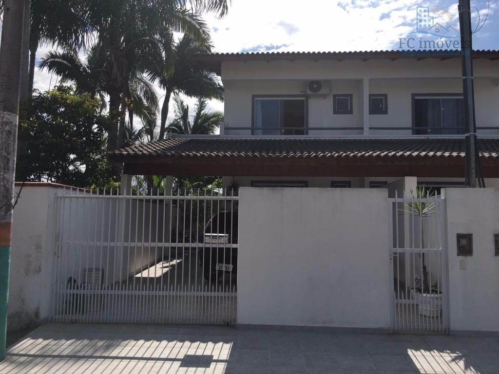 Sobrado residencial à venda, Centro, Camboriú.