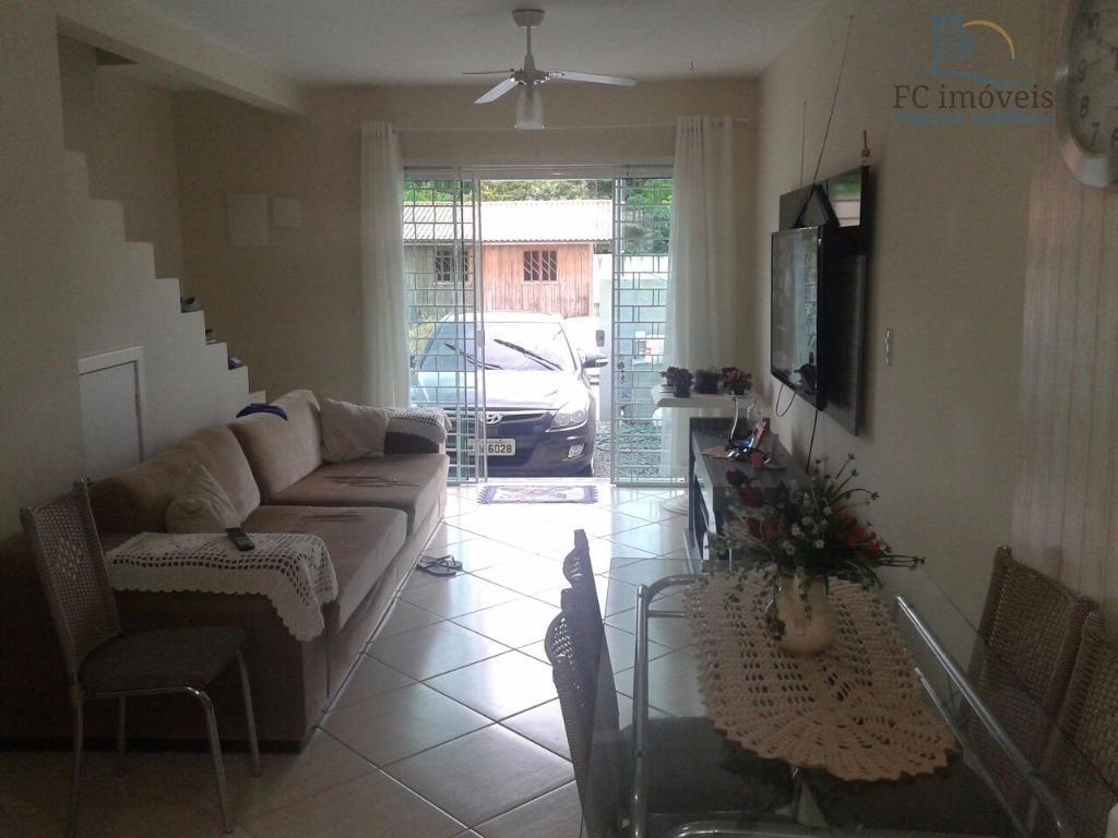 Sobrado residencial à venda, Rio Pequeno, Camboriú - SO0069.
