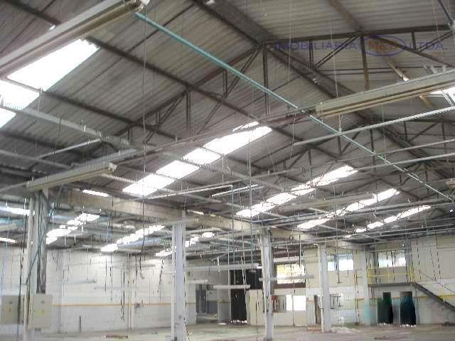 localizado à rua quênia nº 301 vila varginha - pinhais barracão com escritório 1.254 m2, piso...