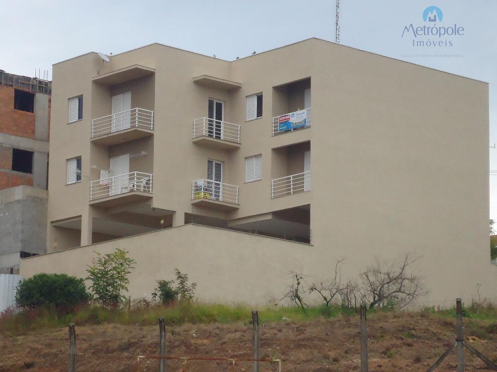 prédio com 06 apartamentos, sendo cada apto com 01 dormitório com sacada + 01 suíte, sala...