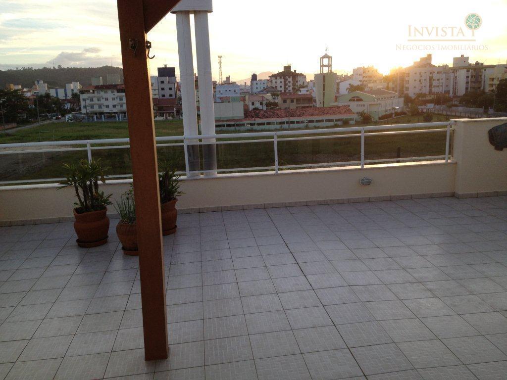 Cobertura de 3 dormitórios em Canasvieiras, Florianópolis - SC