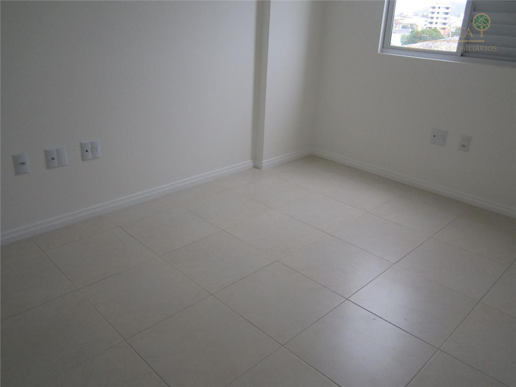 Apartamento de 2 dormitórios à venda em Centro, Palhoça - SC