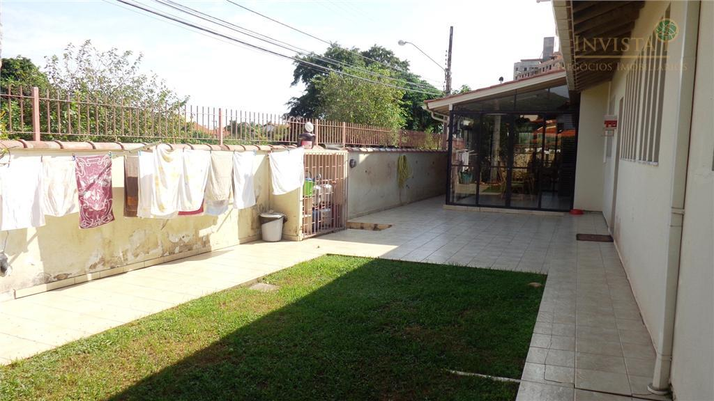 Casa de 3 dormitórios em Parque São Jorge, Florianópolis - SC