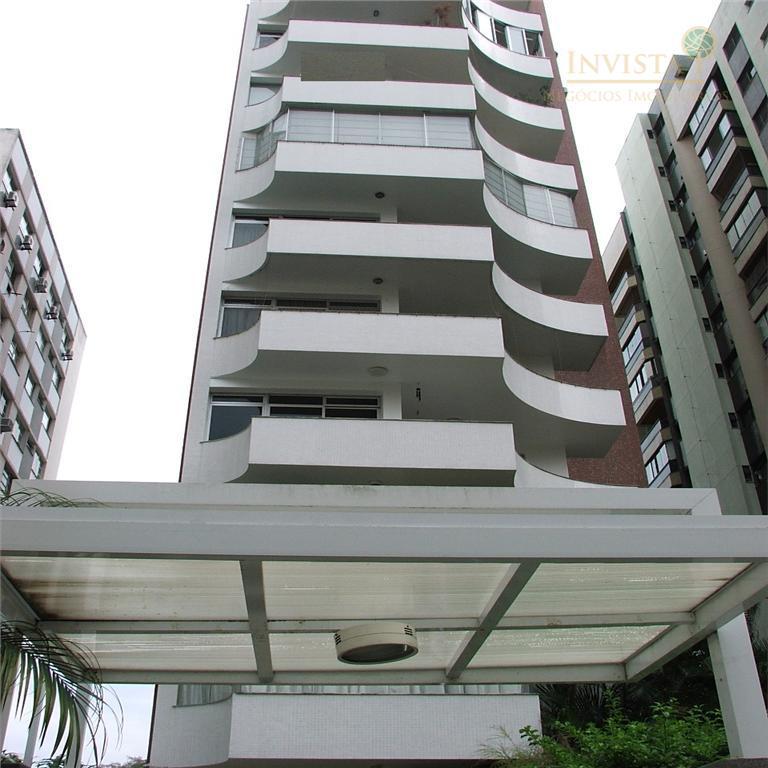 Colado no Colégio Catarinense 393 m2 + 3 vagas