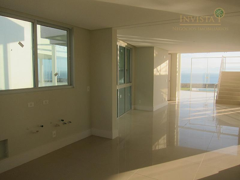 Casa de 3 dormitórios em Cacupé, Florianópolis - SC
