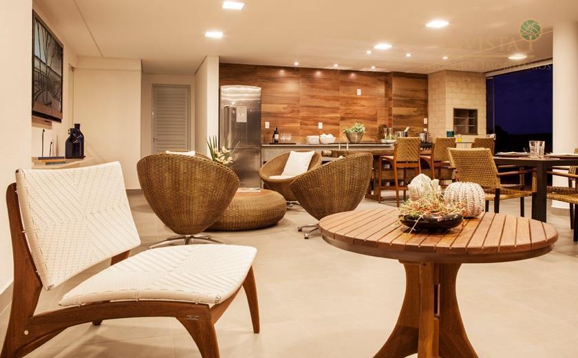 Apartamento de 3 dormitórios à venda em Campeche, Florianópolis - SC