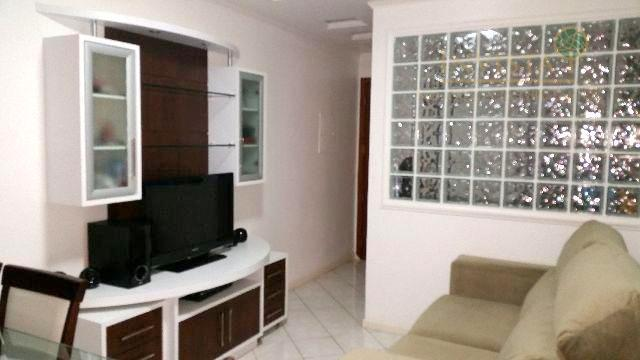 Apartamento de 2 dormitórios em Barreiros, São José - SC