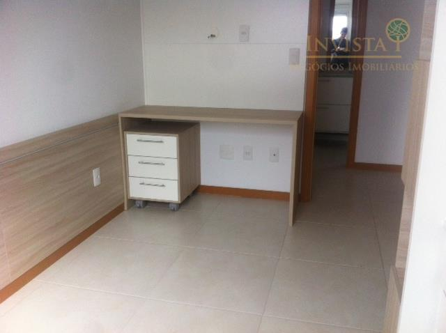 Apartamento de 3 dormitórios em Barreiros, São José - SC