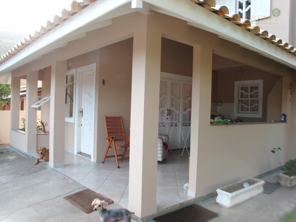 Casa de 3 dormitórios em Rio Tavares, Florianópolis - SC