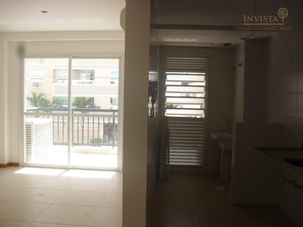Apartamento de 3 dormitórios em Abraão, Florianópolis - SC