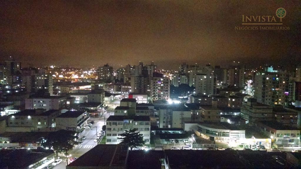 Apartamento de 4 dormitórios em Kobrasol, São José - SC