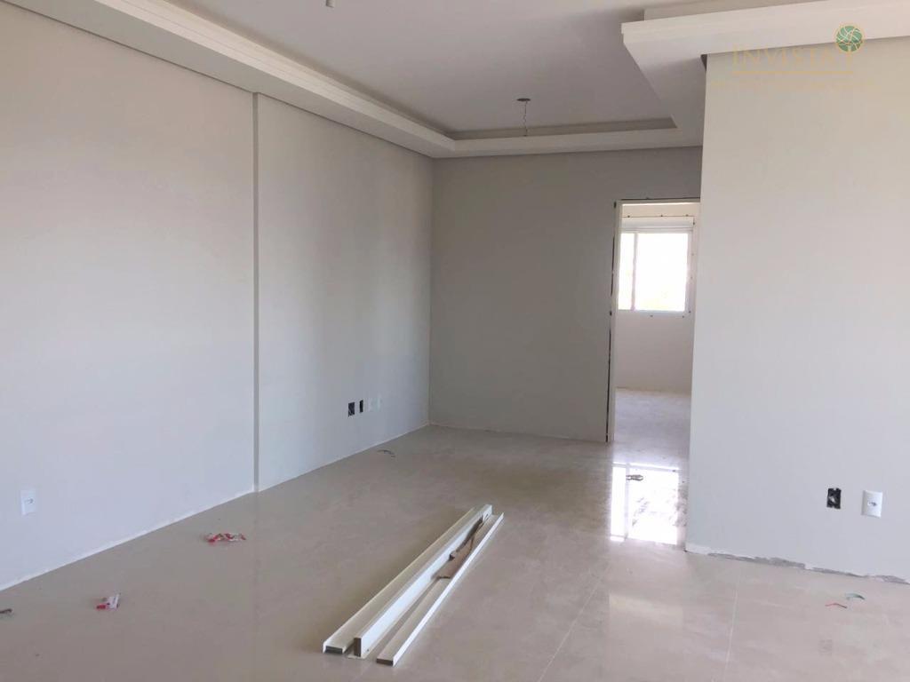 Apartamento de 2 dormitórios em Agronômica, Florianópolis - SC