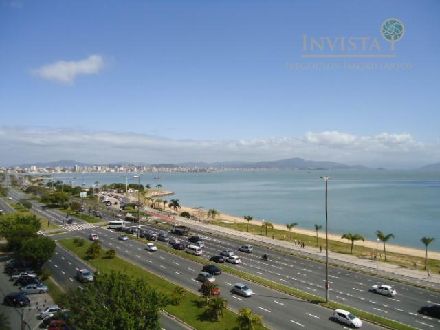 Apartamento de 3 dormitórios em Beira Mar, Florianópolis - SC