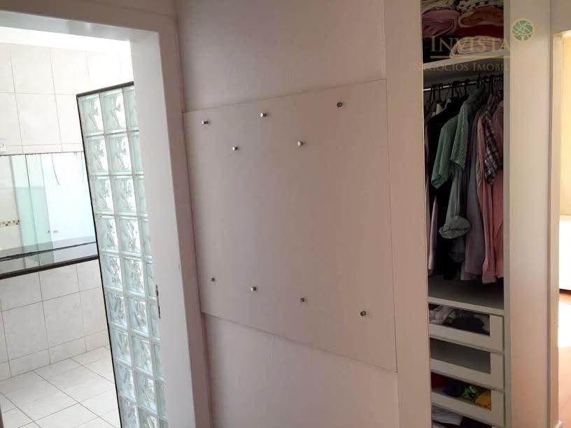 casa em condomínio fechado, alto padrão, com 3 dormitórios com suítes, sala de estar e jantar,...