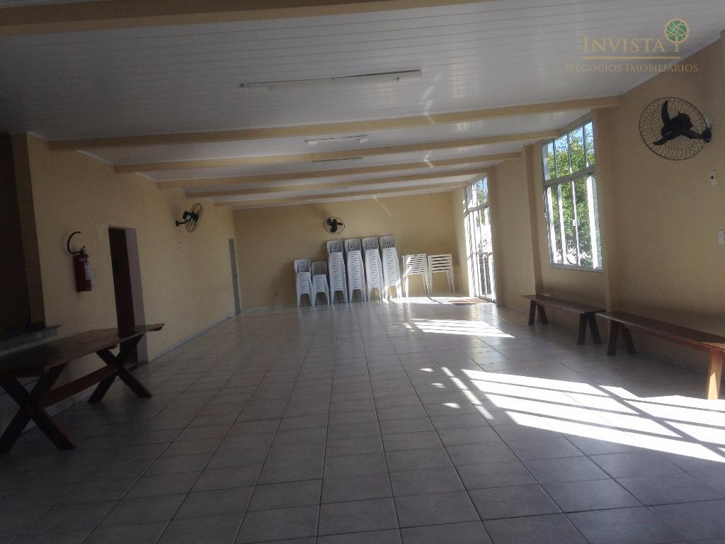 apartamento com 2 dormitórios, sala de estar e jantar, cozinha americana, área de serviço e 1...