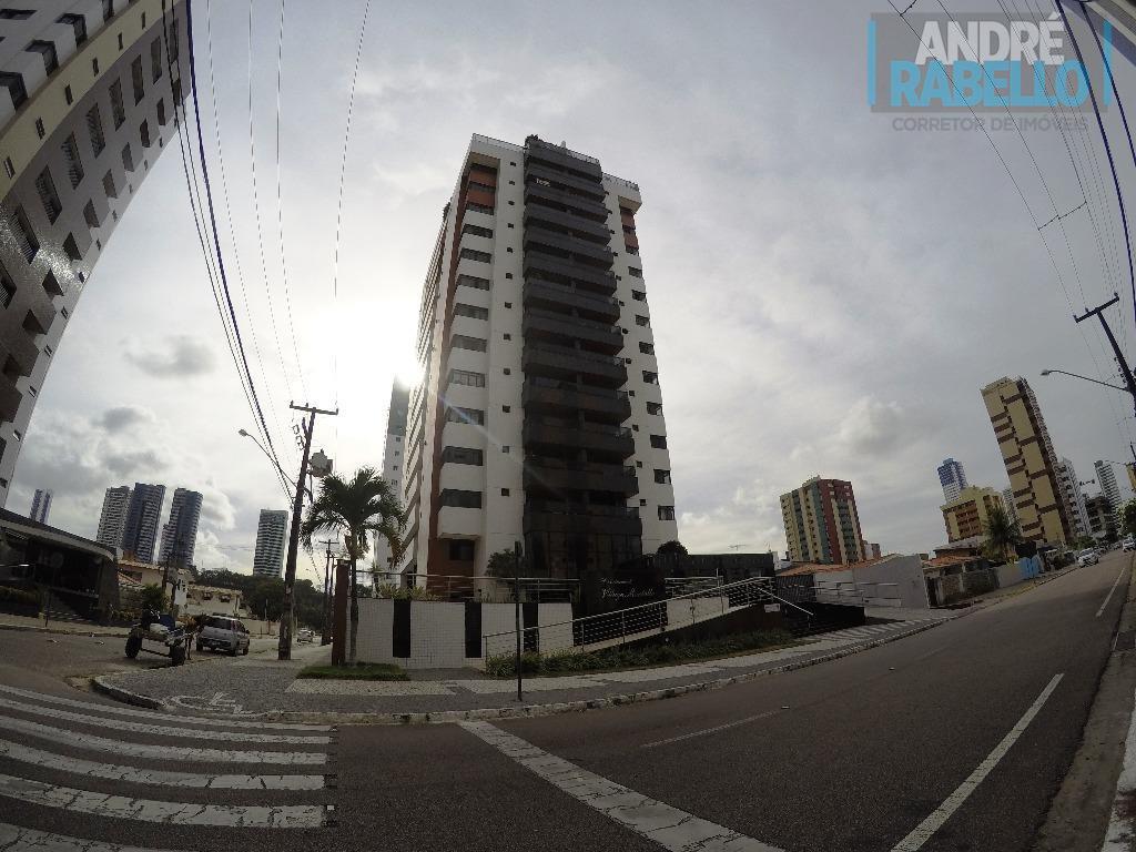 Apartamento residencial à venda, Manaíra, João Pessoa - AP0052.