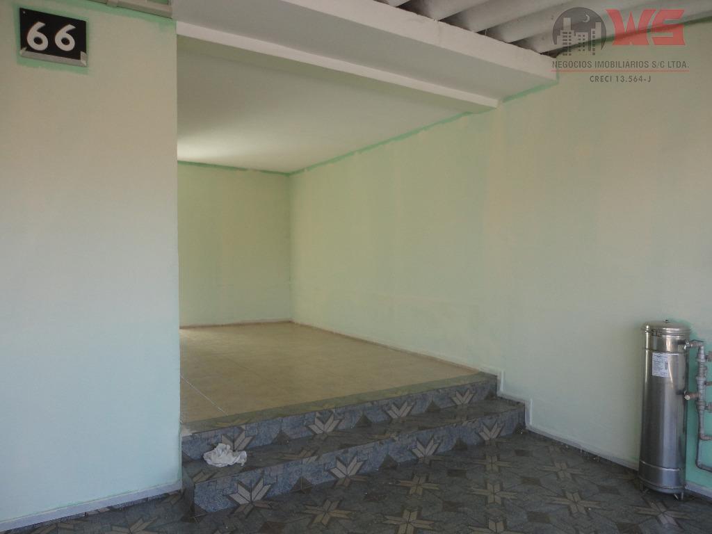 terreno 10x25=250m² com 2 casas:1 casa com 2 dormitórios, sala, cozinha, banheiro, lavanderia.2 casa com 1...
