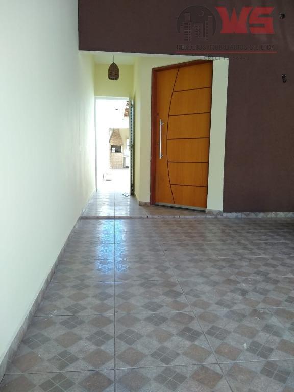 Casa com 2 dormitórios para alugar por R$ 1.497/mês