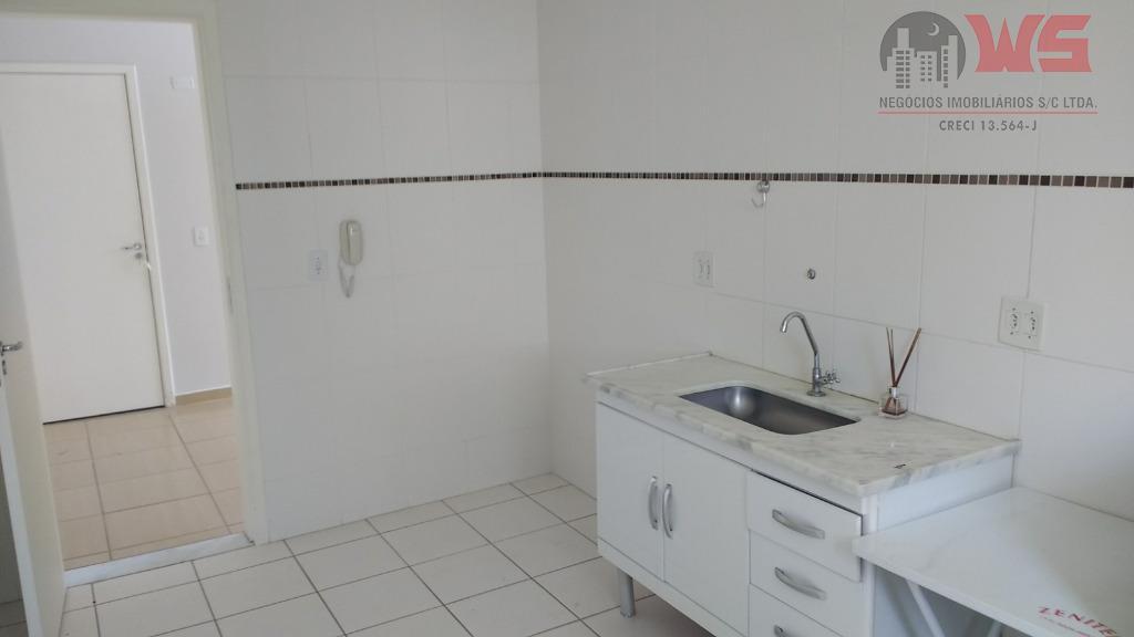 Apartamento com 2 dormitórios para alugar, 49 m² por R$ 700/mês - Jardim São José - Itu/SP