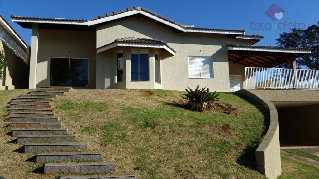 Imobiliária em Atibaia - Casa estilo chácara à venda em Condomínio Fechado em Atibaia.