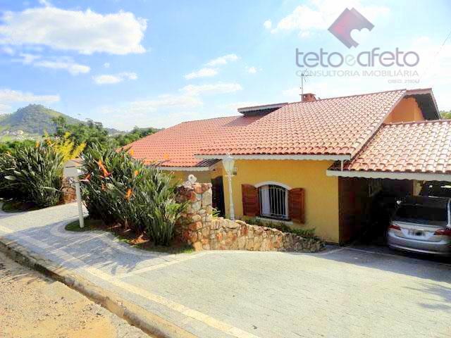 Imobiliária em Atibaia - Casa residencial à venda em Condomínio Fechado na região da Al Lucas Nogueira em Atibaia.