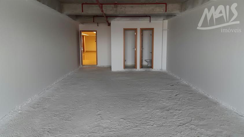 venha conferir!! sala comercial, nova, 2 wcs . prédio com elevador, praça de alimentação, 2 garagens...