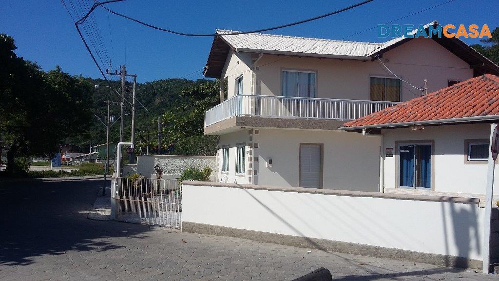 Casa 2 Dorm, Canto Grande, Bombinhas (CA1868)