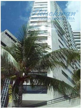 Apartamento residencial à venda, Boa Viagem, Recife - AP0142.