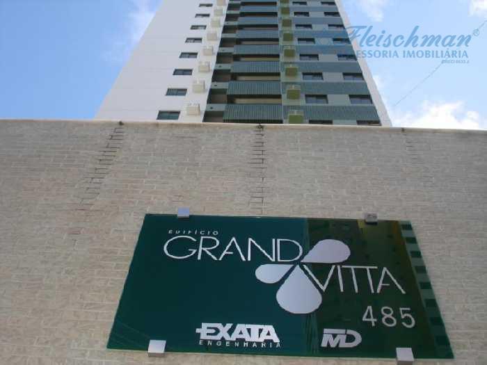 Apartamento residencial para locação, Torre, Recife - AP0510.