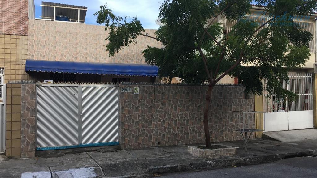 Casa com 3 dormitórios para alugar por R$ 2.500/mês - Zumbi - Recife/PE