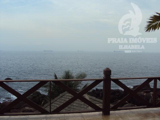 COSTEIRA - Belissima casa na costeira, em condominio, divisa com área verde e vista espetacular para o mar