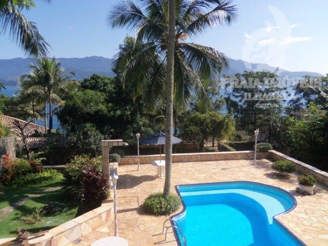 bela casa em ótima localização, vista para o mar e pertinho das praia.